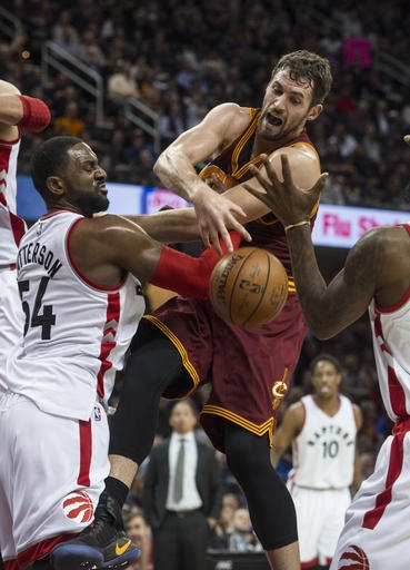 Channing Frye's late 3-pointer, LeBron's big night lift Cavs to 121-117 win over Raptors