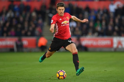 Michael Carrick's Manchester United warning to title pacesetters
