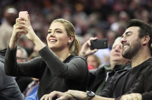 Kate Upton lashes out at Cy Young voters after Justin Verlander doesn't win