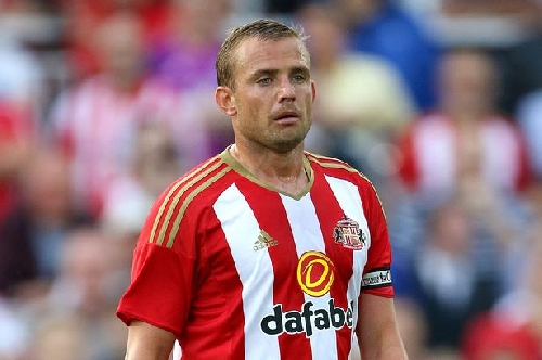 'Worse than Brexit and Trump' - Sunderland fans react as Lee Cattermole is ruled out for four months