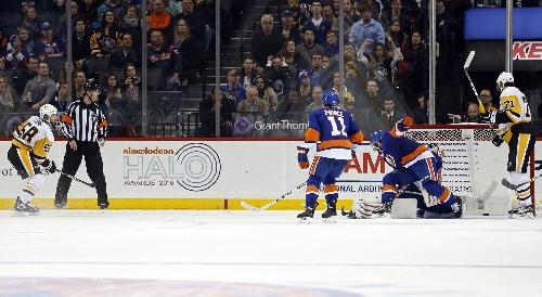 Letang scores in OT, Penguins bounce back vs Islanders
