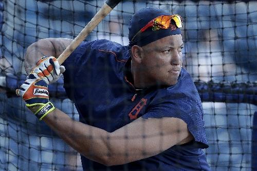 Boston Red Sox trade rumors: Could Dave Dombrowski pursue Miguel Cabrera, Justin Verlander?