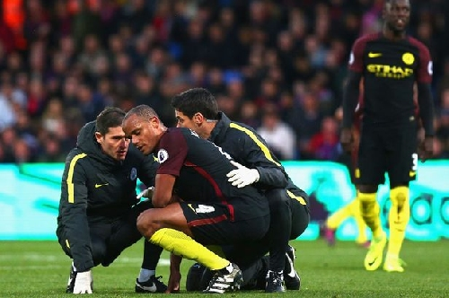 Man City captain Vincent Kompany injured again and facing weeks out of action