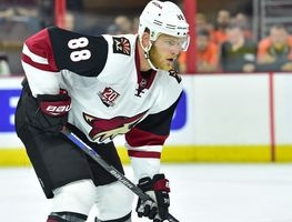 McGinn helping Coyotes rookies on, off the ice