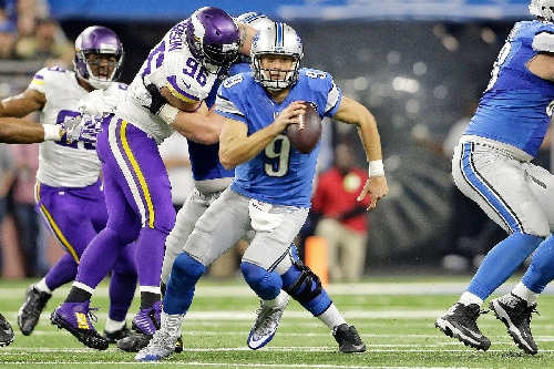 Matthew Stafford's feet as much as his arm helped win showdown with Vikings