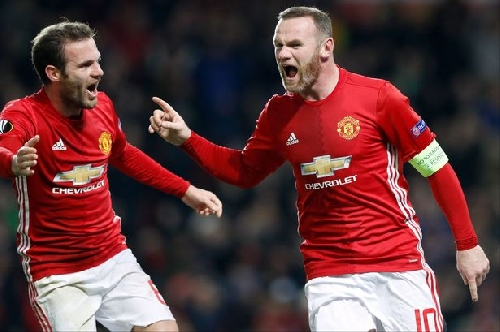 Manchester United captain Wayne Rooney set target by Jose Mourinho