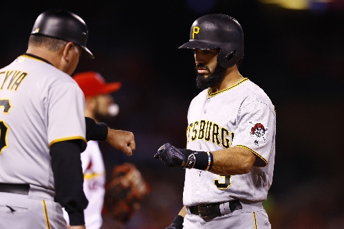 AP source: Braves, Sean Rodriguez agree to 2-year deal The Associated Press