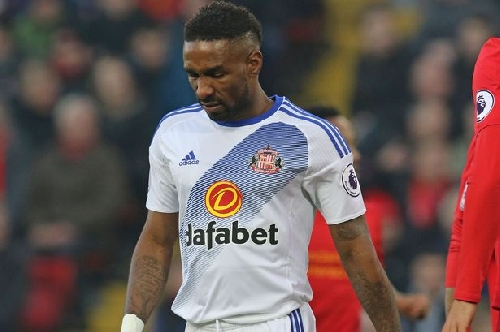Dean Saunders says Jermain Defoe is world class and should be playing for England