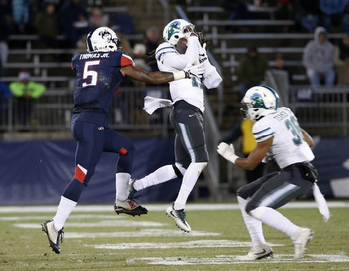 Tulane wins its 'last one for the seniors' in a 38-13 victory