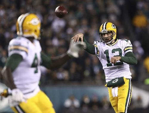 Aaron Rodgers stars as NFL's Packers snap losing streak against Eagles