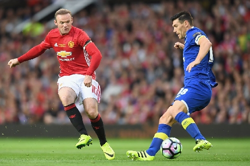 Rooney out, but Mourinho back for Goodison trip