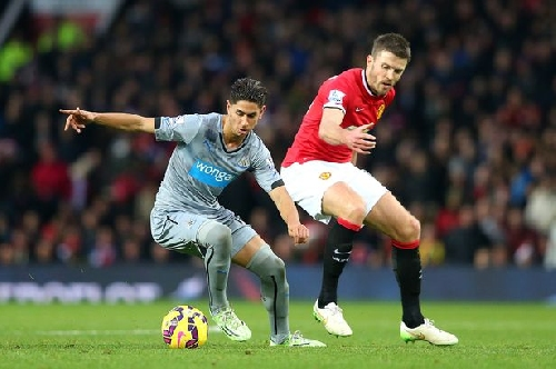 Michael Carrick would find it 'very difficult' to play for Newcastle United - or anyone else