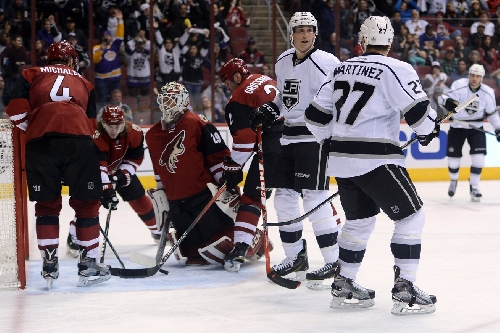 Arizona Coyotes look to protect home ice versus Los Angeles Kings