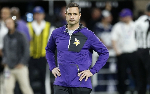 Vikings coach Mike Zimmer out vs. Cowboys after eye surgery The Associated Press