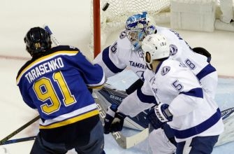 Lightning allow 5 goals again, fall to Blues in 4th straight loss
