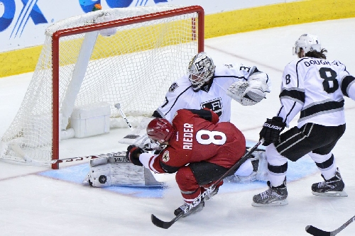 Arizona Coyotes fall to Los Angeles Kings in high scoring affair