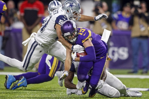 Despite Offensive Struggles, Cowboys Push Win Streak To Eleven, Beat Vikings 17-15