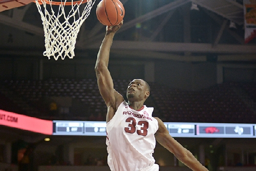 Veterans lead way for Hogs