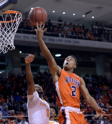 Auburn's Bryce Brown trying to find his stroke, snap sophomore slump