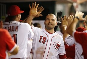 Reds' Joey Votto named Canada's top player
