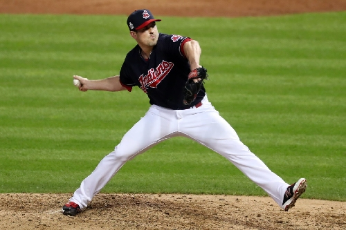 Cleveland Indians non-tender right-hander Jeff Manship; eight others offered contracts