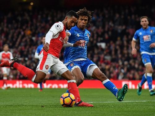 Premier League live: Manchester City vs Chelsea, Spurs vs Swansea, West Ham vs Arsenal, latest scores and updates