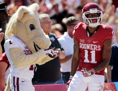 Should this hit on Sooners WR Dede Westbrook have been flagged for targeting?