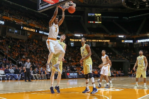 Jackets Fall Flat on Rocky Top