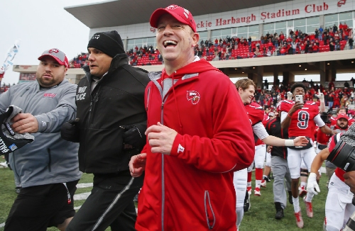 Report: Baylor to interview Western Kentucky's Jeff Brohm for coaching job