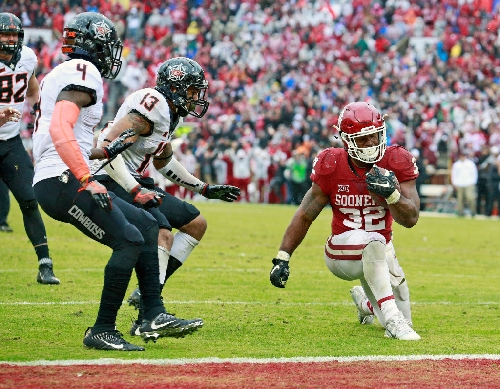 Oklahoma's Perine on kneeling instead of scoring late: 'I did what I thought was the right thing to do'