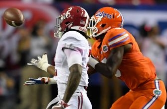 Early turnovers costly as Florida swamped by Alabama in SEC title game