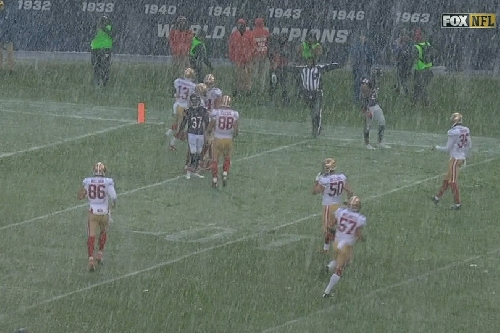 49ers kick punt at Bears 32 yard line