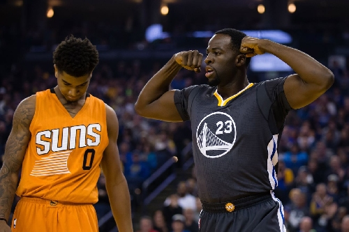 Warriors flex their offensive efficiency in blowout of Suns