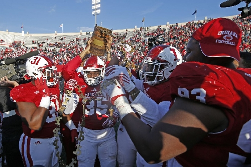Indiana will play #19 Utah in Foster Farms Bowl