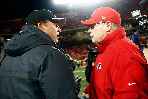 Andy Reid in locker room reminds Chiefs players it's Raider week