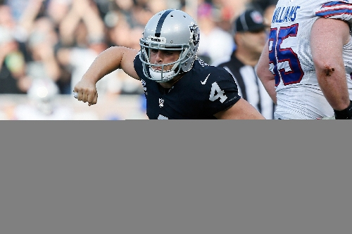 Derek Carr leads another rally for Raiders in 38-24 win over Bills
