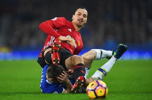 Everton defender Coleman hits back at Zlatan Ibrahimovic after Manchester United draw