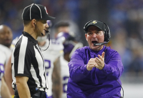 Vikings coach Mike Zimmer returns after eye surgery