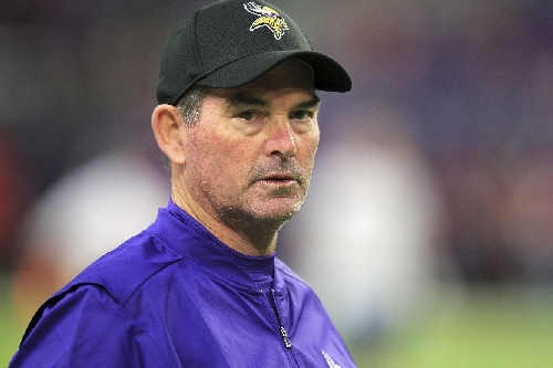 Vikings coach Mike Zimmer returns after eye surgery The Associated Press