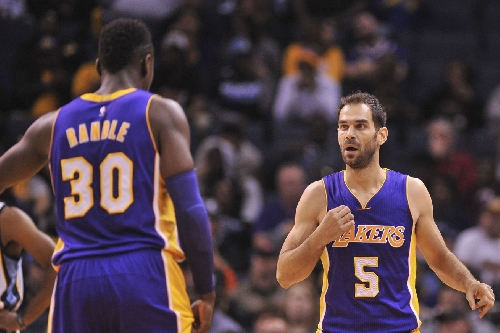Lakers News: Jose Calderon out 2-4 weeks with hamstring strain