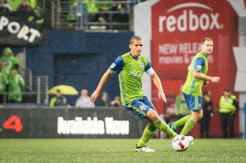 Osvaldo Alonso snubbed on MLS Best XI