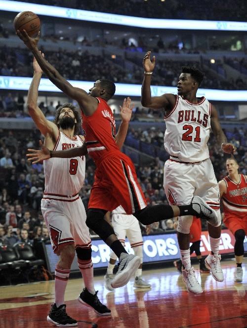 Trail Blazers ride 4h quarter surge, Damian Lillard's hustle to 112-110 win over Chicago Bulls
