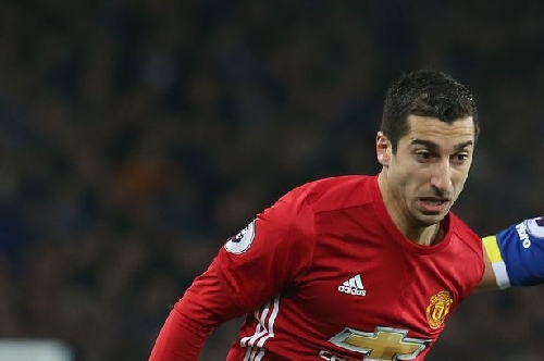 Why Henrikh Mkhitaryan was substituted for Manchester United vs Everton