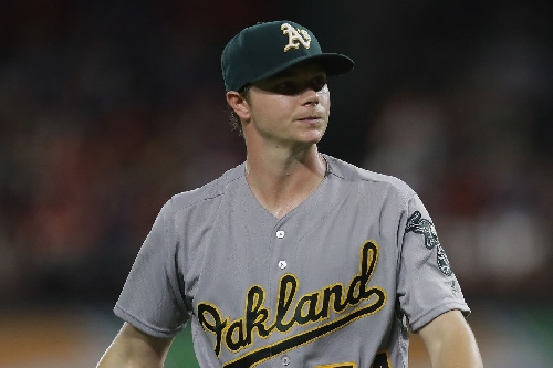 MLB trade rumors: Latest on Oakland A's Sonny Gray, outfield market