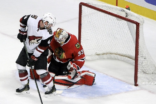 Blackhawks vs. Coyotes Preview: Chicago looks to avoid 3rd straight loss