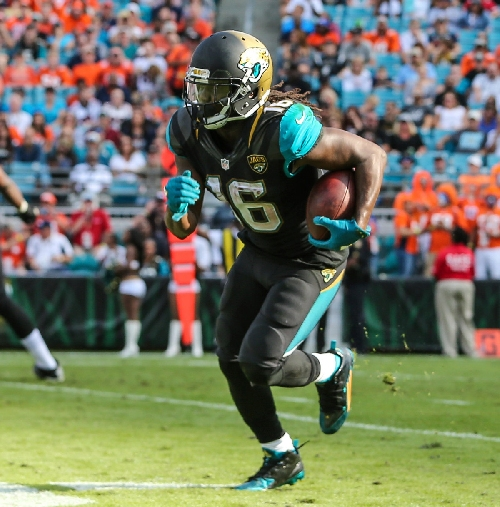 Wolverines in NFL: Denard Robinson gets carries but not the results