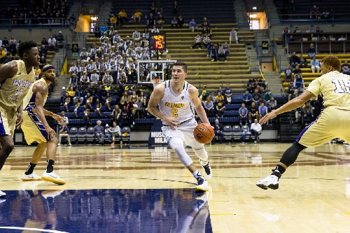 Golden Nuggets: How Sam Singer Embraced Cuonzo Martin And Berkeley