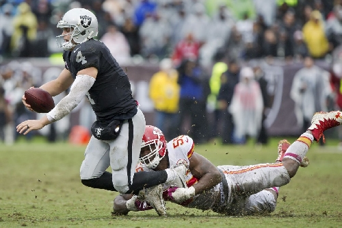 The stats: Alex Smith vs. the Raiders and Derek Carr vs. the Chiefs