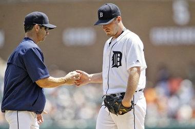 Tigers injury updates: Jordan Zimmermann getting treatment neck