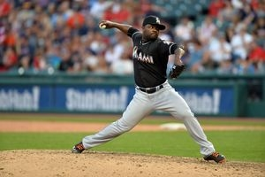 D-Backs nearing deal with closer Rodney